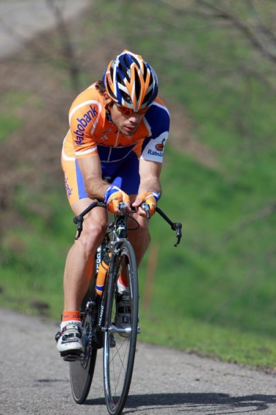 Cyclisme: Paris-Tours, Oscar Freire maitre du sprint