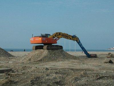 petite semaine de boulot sur la plage du havre(pelle hitachi)