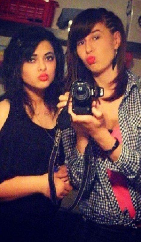 ~ Les amis vrais se font plus rare que les Je t'aime ♥♥♥