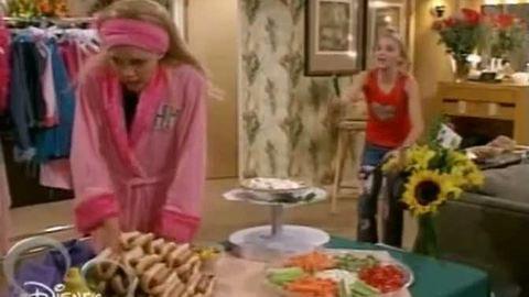 Saison 1 Episode 1 : Lilly, Do You Want To Know A Secret ? / Le secret de Miley