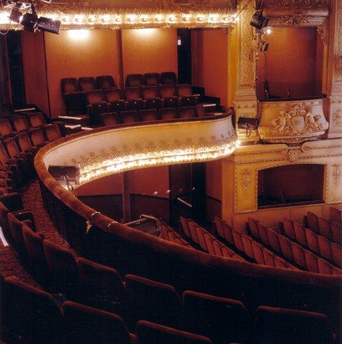 Line Renaud - 2 février 2012: Première d'Harold et Maude au Théâtre Antoine