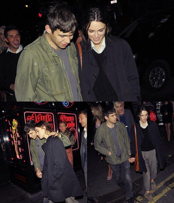 4 Avril  2012  Keira a été vu à La Bodega Negra à Londres. Accompagnée de son petit ami, James, elle était habillée très simplement et ne possédait aucun maquillage. Keira a préféré rester naturelle pour une soirée en amoureux.