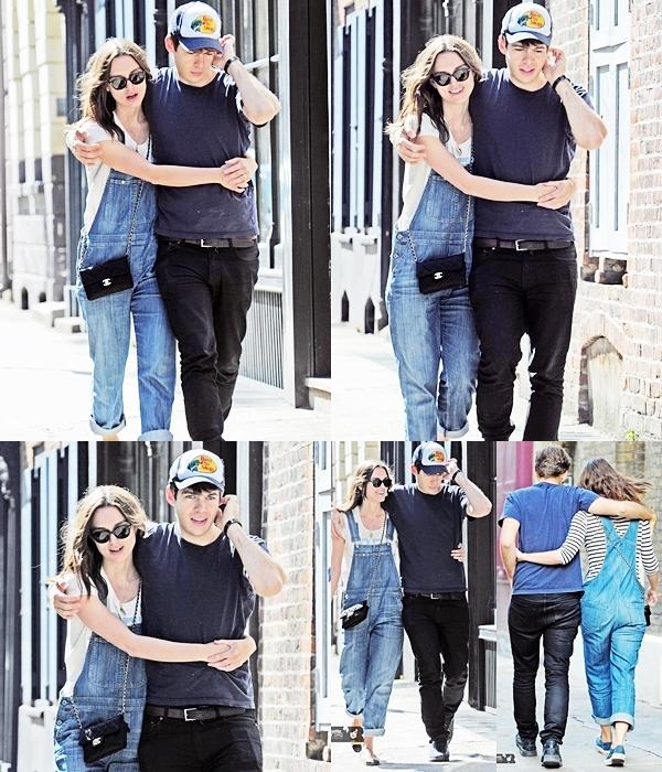 27 Mai 2013 Keira et James sont allés faire une promenade à Brick Lane après un dîner en amoureux.