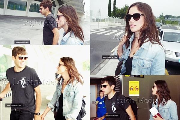 13 Juillet 2013 Keira et James ont été vu à l'aéroport de Bilbao dans le nord de l'Espagne. Merci à kknightley.org pour ces photos malgré quelles ne soient disponible pour le moment qu' avec des tags.