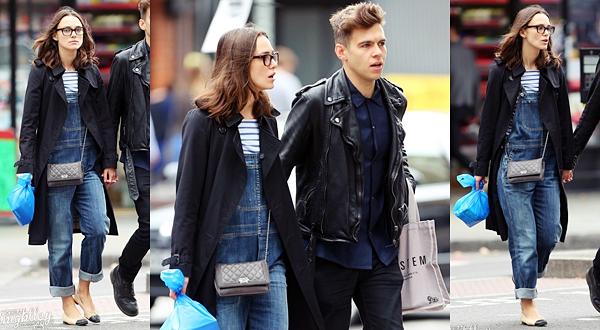 5 Octobre 2013 :  Keira et James ont fait du shopping dans Londres.