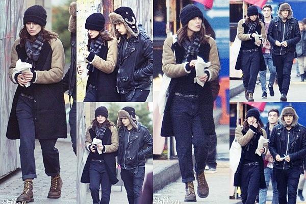 20 Décembre 2013 :  Keira et son mari James, ont été aperçus en train de faire du shopping dans Londres.