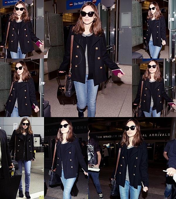 15 Janvier 2014 :  Keira arrive à l'aéroport de LAX, pour la première de Jack Ryan et de Laggies.