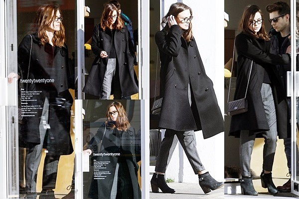 19 Février 2014 :  Keira et James sont allés voir des magasins de meubles à Londres.