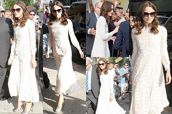25 Juin 2014 :  Keira a été vu sortant de son hôtel avec James à NY. Elle se rend à l'émission The Daily Show. Un extrait est disponible plus bas.
