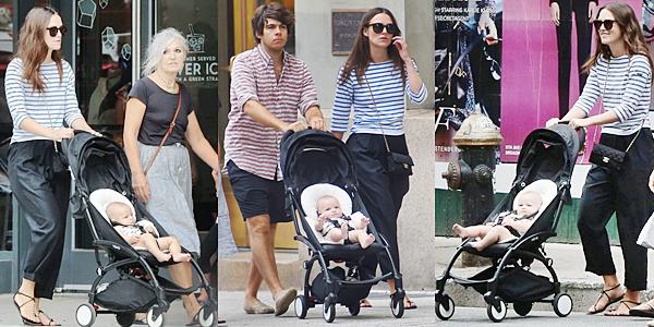 31 Août 2015 :  Lundi Keira et sa petite famille sont allées se balader dans les rues de Manhattan ! Edie a 4 mois.