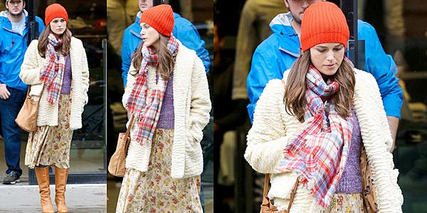 2 Avril 2016 :  Keira a été vue sur le tournage de Collateral Beauty à NY. Elle était accompagnée ce jour là de son partenaire Edward.