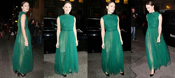 31 Octobre 2016 :  Keira s'est rendue à l'événement : Haper's Bazaar Women of The Year Awards 2016. Cet événement a été organisé par le magazine pour récompenser les femmes anglaises de l'année. Keira a été récompensée en tant qu'icone du théâtre pour notamment sa prestation dans Thérèse Raquin. Elle portait pour l'occasion une robe verte signée Erdem.