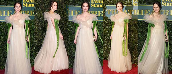 Le 3 Novembre 2017 Keira était présente à la cérémonie London Evening Standard Theater à Londres. Elle portait une jolie robe signée Valentino.