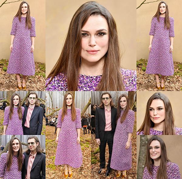 Le 6 Mars 2018 : Keira était présente au défilé Chanel de la collection automne/hiver 2018 à Paris. Le défilé était organisé dans le cadre de la Fashion Week. Keira portait une robe violette de la marque Chanel. Une petite interview filmée est disponible ici. Celle ci est sous titré français.
