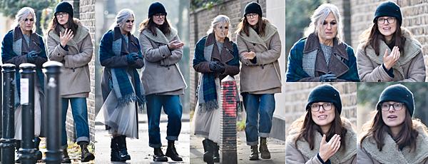 Le 28 Novembre 2018 • Keira et sa mère ont été vues se baladant dans les rues de Londres.