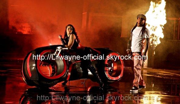 New Son de Lil Wayne -    ( Tha Carter IV initialement prévu pour le 16 mai est repoussé au mois de Juin sans date précise. Autant vous dire que la Tracklist qui circule sur le net est fausse.)