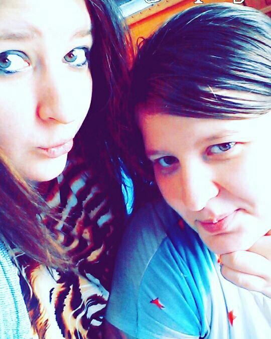 Ma soeurcet moi je t aime malgre la distance on sera tjr la m une pour l autre