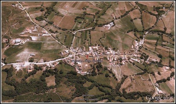 Peirezes (Peireses), na Google Earth (2013) ...
