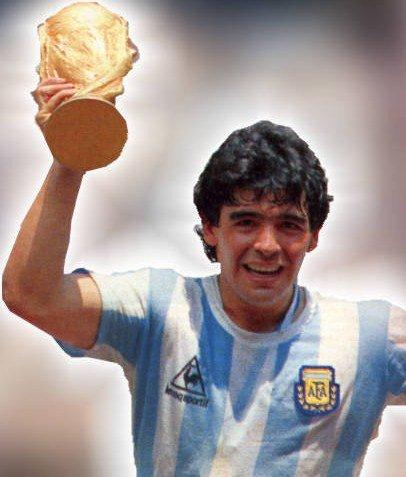 Maradona le meilleur joueur de tous les temps !