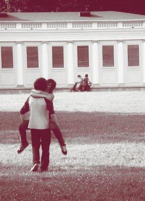 Et il m'aime encore, et moi je t'aime un peu plus fort  Mais il m'aime encore, et moi je t'aime un peu plus fort