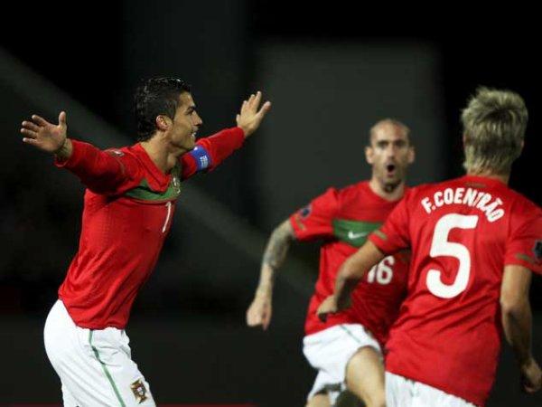 Qualification Euro 2012: Islande 1-3 Portugal