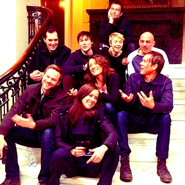 Trois photos du cast' ainsi qu'une photo de Jessica avec des fans sur le tournage ont été révélées