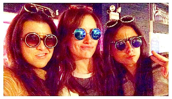 17/10 : Jessica a passé la journée dans les rues de NYC avec des amies (photos Instagram)