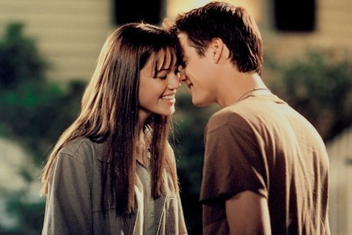 Notre amour est comme le vent. Je ne peux pas le voir, mais je peux le sentir