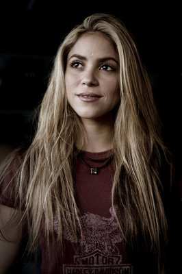 #Remember - Photoshoot de Shakira par Joachim Ladefoged.