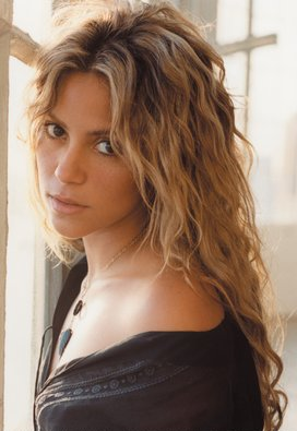 #Remember - Photoshoot de Shakira par Antoine Verglas pour Sony.