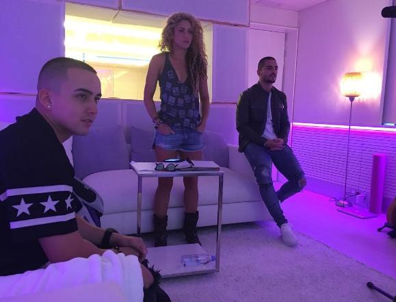 """NEWS : Duo avec Maluma + Nouvelles informations pour le duo avec Black M + Publicité de """"Dance"""""""