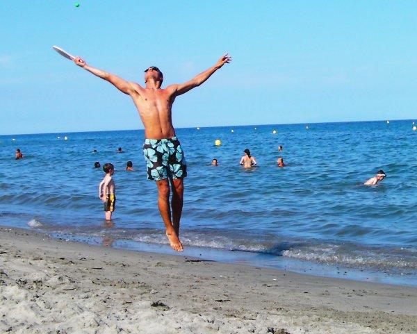 Oui je joue aux raquettes de plage, j'aime ça et alors ? ;)