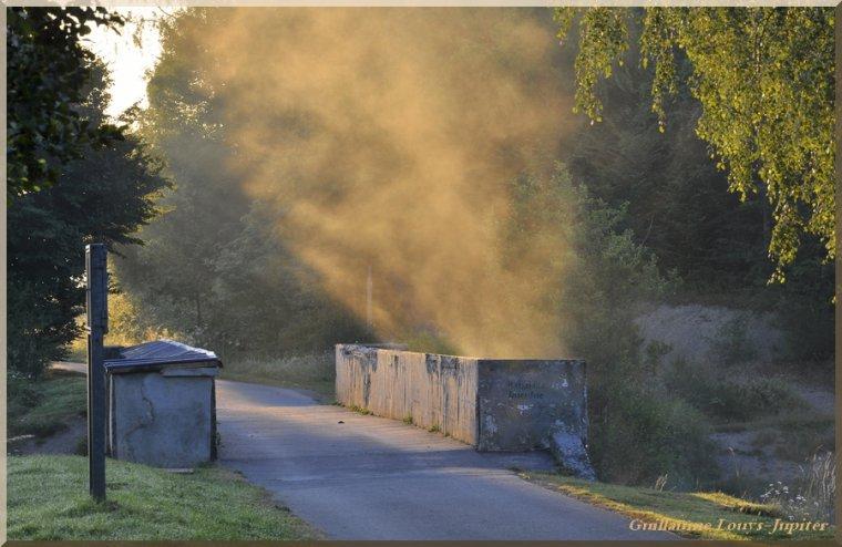 Incendie brumeux sur le Val...