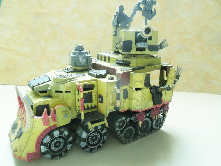 Battlewagon du clan BAD MOON 1