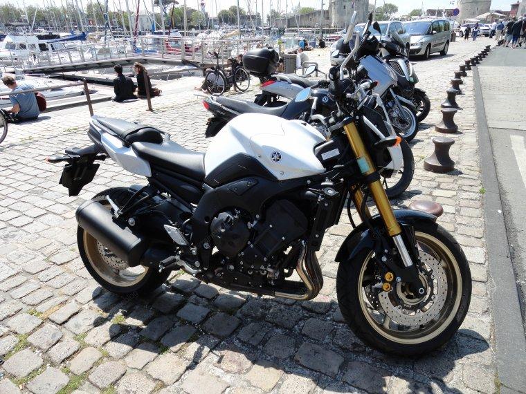 Yamaha FZ8 vu par Béa pour lorraineblog