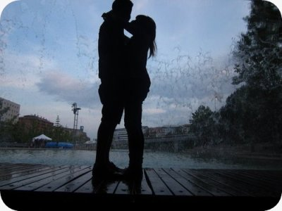 L'amour n'est pas l'amour s'il fane l'orsqu'il se trouve que son objet s'éloigne. Quand la vie devient dure, quand les choses changent, seul le vrai amour reste inchangé.  William Shakespeare.