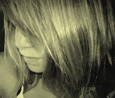 Et j'essayerai de m'accrocher à nos souvenirs pour pas laisser le temps me démolir ..