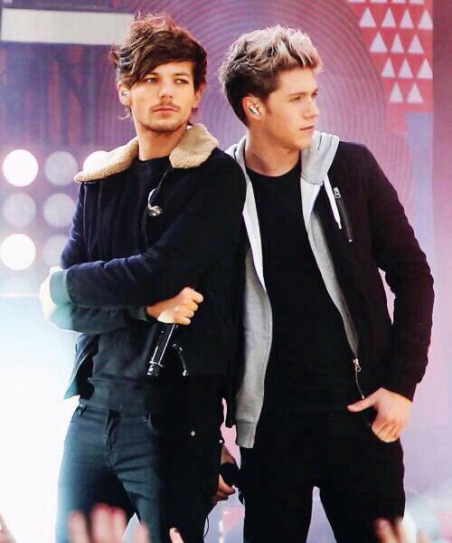 Niall Horan & Louis Tomlinson.