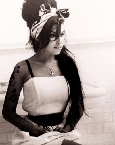 Amy Winehouse mini-bio