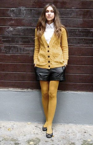 Parlons chiffons : le♔ Must have ♔Osez les collants jaunes moutarde #mode #tendance