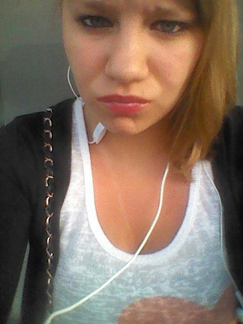 ✖ Alison ; CELIBATAIRE ♥