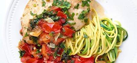 Dinde citronnée et spaghetti aux courgettes