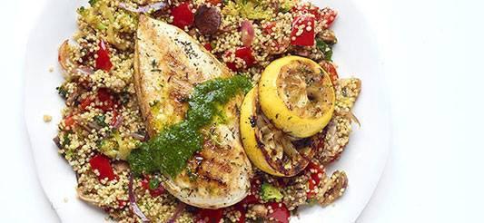Quinoa sauté au poulet grillé