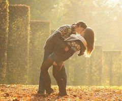 «La meilleure chose qui puisse arriver dans la vie , c'est de rencontrer quelqu'un qui connaisse tous vos défauts et malgré ça vous trouve formidable. »