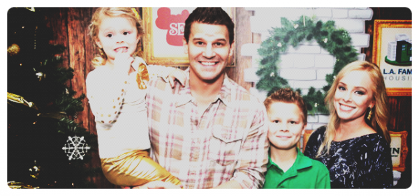 "The Family Boreanaz au "" 2nd Annual Santa's Secret Workshop Benefiting à Los Angeles."
