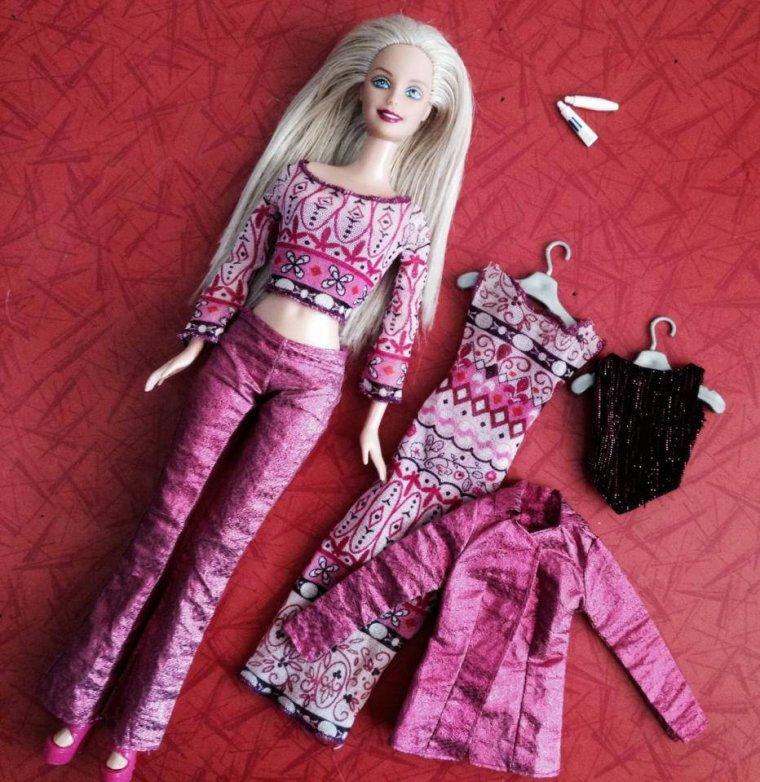 2000 barbie designer fashion 2000 ( pas la bonne poupée) 5 euros