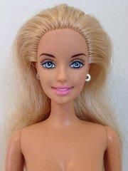2000 Barbie horse riding - 1 euro la poupée ou 3 euros avec le tricot