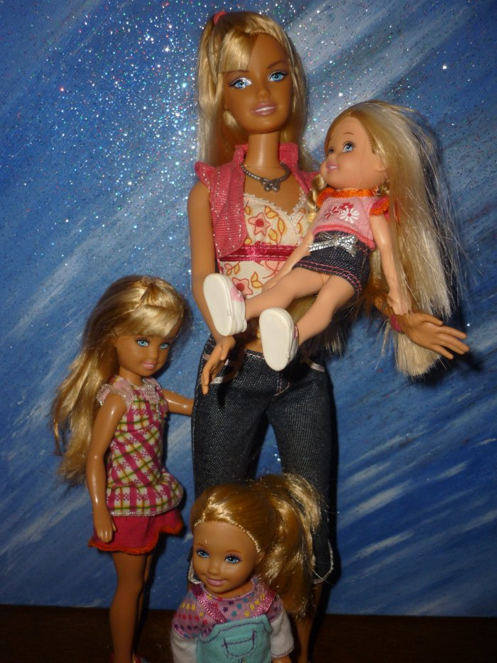 2009 barbie pink family 20 euros le tout