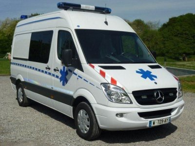nouveau mercedes sprinter 37s assu blog de ambulance du prado. Black Bedroom Furniture Sets. Home Design Ideas