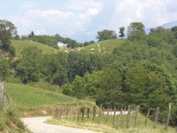2012, au-dessus de la Combe de Savoie, le Col de Marocaz et le circuit du Val Coisin avec  le  très secret  col de Cochette !